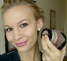 Makeup for beginners. Great tutorial, and she recommends some amazing products!