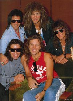 Super cute pic of Bon Jovi from Slippery When Wet era (1986-1987)