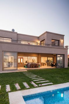 Modern House Colors, Modern Bungalow House, Classic House Design, Modern House Design, Home Stairs Design, Mexico House, Modern Architects, Luxury Homes Dream Houses, House Stairs