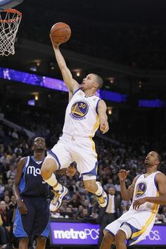 ae0680a3fcadaa Warriors  Curry likely done for the season Stephen Curry Pictures