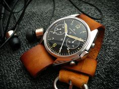 Heuerville | Vintage Heuer / TAG Heuer watches, and a few others. Plus Handmade straps..