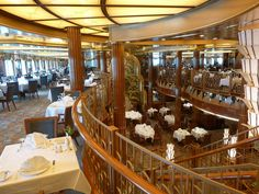 What's Wrong with Cunard Cruise Line? - Tips For Travellers Cunard Queen Elizabeth, Cunard Cruise Line, Cunard Ships, Boat Fashion, Love Boat, Restaurant, Cruise Ships, Lighthouses, England