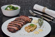 Die besten Gourmet-Boxen – das Menü für Zuhause von 3 Haubenkoch Patrick Müller Front Row, Steak, Food, Gourmet, Meat, Dessert Wine, Roast Beef, Buckwheat, Boxing