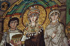 La Reina Teodora representando al Imperio Bizantino, Basílica de San Vitale en Ravenna. (500-548).