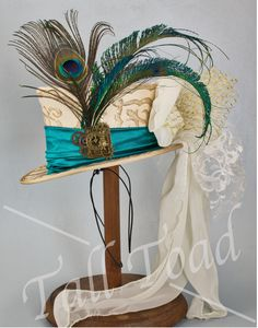 Alice In Wonderland Mini Top Hat $125 Wedding Top Hat, Riding Hats, Peacock Wedding, Super Hero Costumes, Custom Hats, 2 Colours, Fascinator, Alice In Wonderland, Tea Party
