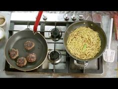 ▶ S01E23 Jamies 15 Minute Meals.Fettuccine.and.Black.Bean.Beef.Burgers.mkv - YouTube