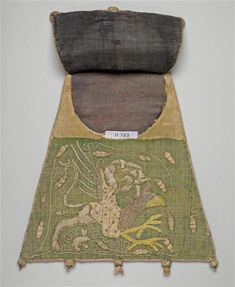 Aumônière of a countess of Bar (CL11788), 14th century; Bags holding alms were often carried by brides to pass coins to those lining the route to the church