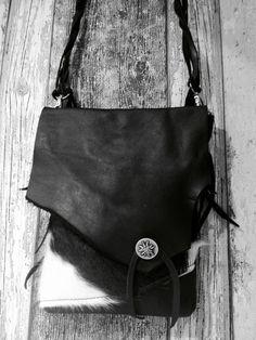 BoHo Schouder Tasje met Zwart / Wit Rundervacht door Charezza Leather