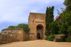Granada, Hiszpania (28.05.2015)  :) Wejście do Alhambry.