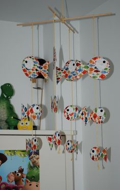 TUTORIAL MOBIL INFANTIL: - Telas y Patchwork Baby Room, Origami, Stuff To Do, Infant Room, Diy, How To Make, Cards, Gifts, Scrappy Quilts