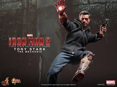New IRON MAN 3 Hot Toys! The Mandarin, Silver Centurion, and Tony Stark