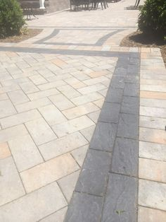 Pavingstones the sherwood collection with ledgestone xl for Pool design by laly