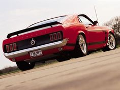 Same car (Boss 302 Mustang, 1969) as before, different angle    NICE!