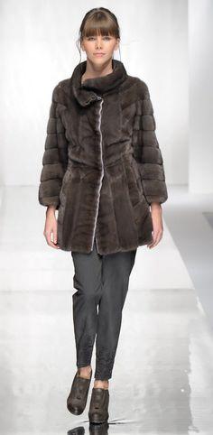 4fc3035c933 Fourrure Haute Couture Lookbook Carlo Ramello Collections fourrure de vison  Chinchilla Zibeline