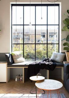 Window seat in New Dutch Home In The Style Of An Old Factory - Gravity