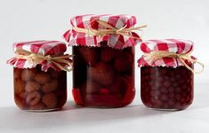 Eperbefőtt - 1. kép Raspberry, Gift Wrapping, Fruit, Gifts, Food, Gift Wrapping Paper, Presents, Wrapping Gifts, Essen