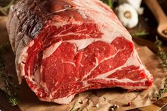 Raw Grass Fed Prime Rib Meat with Herbs and Spices cuts The Best Cuts of Beef You Should Be Buying Beef Ribeye Roast, Beef Chuck Roast, Beef Ribs, Prime Ribeye, Wagyu Beef, Beef Tenderloin, Prime Rib Cut, Prime Rib Roast, Barbecue