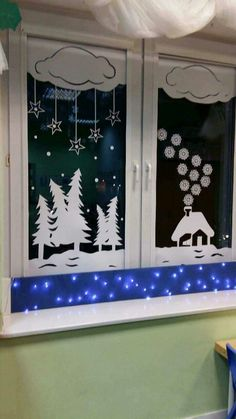 Easy and Fun DIY Christmas Decoration Ideas on a Budget - Holiday Window Decor . Easy and Fun DIY Christmas Decoration Ideas on a Budget - Holiday Window Decorations - Christmas Decorations - Budget Holiday, Christmas On A Budget, Christmas Door, Christmas Time, Christmas Ornaments, Christmas Snowman, Christmas Windows, Outdoor Christmas, Decoration Creche