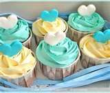aqua, mint, and yellow cupcakes