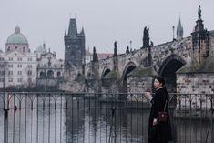 Charles Bridge (Karlův most) - Prague Holiday, Travel Hints & Tips Prague Charles Bridge, Photo Location, Old Town, American Girl, Cool Photos, Travel, Old City, Viajes, Destinations