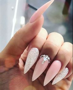 wedding beauty nails Special Shape and Perfection WORKSHOP in Germany 32549 Bad Oeynhausen jet_set_beauty_nails with Jolanda delizianails from switzerland Bride Nails, Wedding Nails, Gold Wedding, Best Acrylic Nails, Acrylic Nail Designs, Ongles Bling Bling, Nagel Bling, Stiletto Nail Art, Nagel Gel