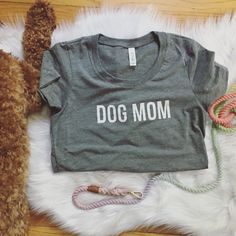 Dog Mom Triblend Gray Heather T-shirt by ripleyandrue on Etsy