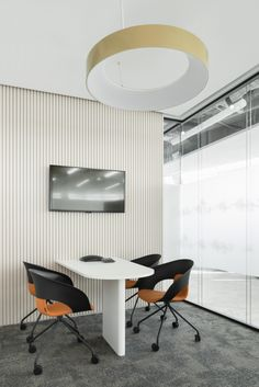 IND architects were tasked to realize the design for L'Oréal's offices located in Moscow, Russia. The interior of Moscow L'ORÉAL office has combined two Design Commercial, Commercial Interiors, Home Office, Office Decor, Office Interior Design, Office Interiors, Office Meeting, Meeting Rooms, Architecture Office
