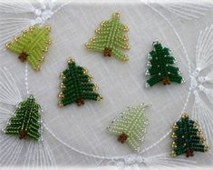 Step by step tutorial for my BlueBell pendants. Tutorial includes 3 pages of detailed illustration with step by step explanation to create this beautiful bead pentants.  NEW, printer-friendly version!  I recommend it for beginners too! Skill level: *  Materials: - size 4 mm round beads (1 piece/element) - 11/0 delica beads, 2-3 colors - 15/0 seed beads - basic earrings - chain (4-4 link) - head pins (1 piece/element) - fireline thread (0,16 mm) Tools: - scissors - beading ...