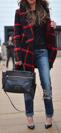 Love this plaid and the coat. See similar fashion at http://topreviews.momsmags.net