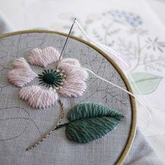 Wool stitcn flower ふむふむ、良い色!