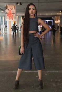 Resultado de imagem para looks nataly neri Afro Twist, How To Pose, Summer Hairstyles, Look Cool, Style Icons, Going Out, Braids, Two Piece Skirt Set, Vogue
