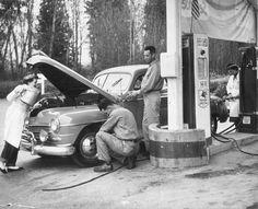 1952 photograph of a car at a Mobile gas station in Granite Falls, WA. (Granite Falls Historical Museum)