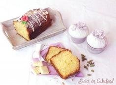 Un plum cake leggero reso soffice dalla presenza del cioccolato bianco e dal sapore aromatica per la presenza del cardamomo. Questo plum cake è ottimo da gustare a colazione o per il the del 5.