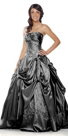 Gorgeous! I think grey is totally underrated, like this is so beautiful! #prom #dress
