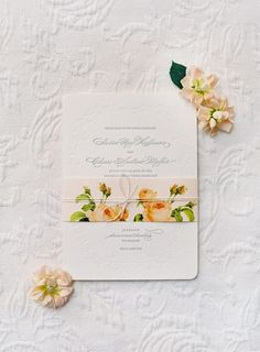 Klassische Hochzeitskarte basteln mit Blumen-Schmuck