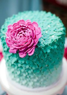 freakin' LOVE this cake!