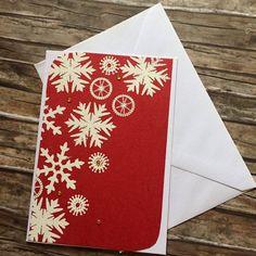 Červené vánoční přání s vločkami
