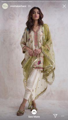 Desi Wedding Dresses, Pakistani Formal Dresses, Pakistani Dress Design, Pakistani Outfits, Indian Dresses, Indian Outfits, Simple Outfits, Simple Dresses, Casual Dresses