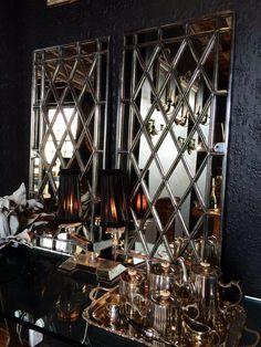mirrored walls bathroom