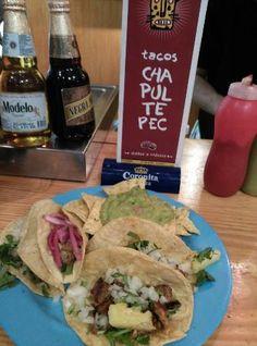 Menú de medío día, 4 tacos guacamole, postre y cerveza!!!!!