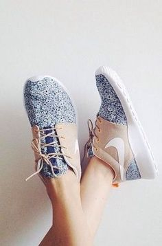 nike roshe, I really just need to get some of these custom roshes already!
