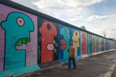Las famosas cabezas del muro, obra de Thierry Noir