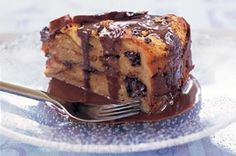 cappuccino bread and butter pudding cake Bread And Butter Pudding, Pudding Cake, No Bake Desserts, Easy Desserts, Cake Recipes, Dessert Recipes, Bread Recipes, Sweet Bread, Tray Bakes