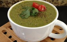 Spinach Soup Ayurvedic Spinach-Mung Detox Soup [Vegan] - One Green Planet - The combination of mung beans and spinach makes this vegan dish not only protein rich, but a nutritiously dense balanced meal. Bean Recipes, Soup Recipes, Vegetarian Recipes, Healthy Recipes, Healthy Potluck, Vegetarian Starters, Vegetarian Lifestyle, Spinach Recipes, Veggie Recipes