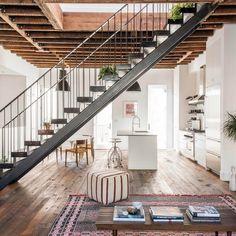 "Gefällt 949 Mal, 7 Kommentare - est (@est_living) auf Instagram: ""INTERIORS: A bohemian Brooklyn abode by @elizabeth_roberts_architecture, this townhouse unites…"""
