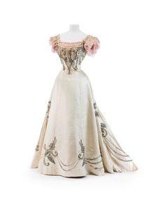 Paquin evening dress ca. 1895 From the Kunstgewerbemuseum, Staatliche Museen zu Berlin via Europeana Fashion Fripperies and Fobs