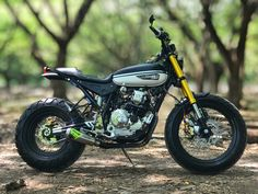 New scrambler motorcycle kawasaki Ideas - cafe racer scrambler - Ducati Scrambler Custom, Scrambler Motorcycle, Moto Bike, Motorcycle Garage, Bobber, Honda Cgl 125, Motorcycle Helmet Design, Xjr, Cafe Racer Bikes