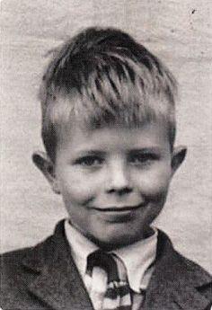 @dmvc a very young David Boiwie