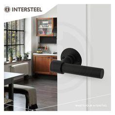 Intersteel deurklink L/T model op rozet met schroefgaten mat zwart