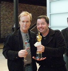 Brad Bird, the Oscar for Ratatouille, and lil ole me! Brad Bird, Ratatouille, Pixar, Tech, Style, Swag, Pixar Characters, Technology, Outfits